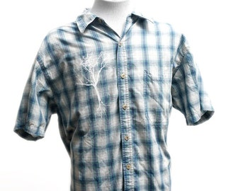 Men's Plaid Shirt / Upcycled Vintage Short Sleeve / Screen Printed Tree / Size XL