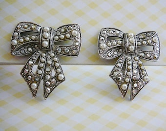 Vintage .. Earrings, Signed, Bow, Marcasite, Faux Pearl Silver Tone, Clipon vintage wedding bride
