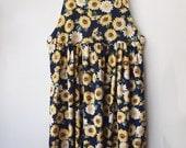 SUMMER SUNFLOWER // Vintage 90s Overall Dress Grunge Floral Print Womens S - M