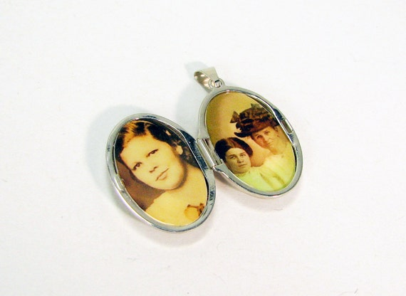 Sterling Silver Scroll Locket, Oval Photo Locket with 2 Photo Tiles - LP11
