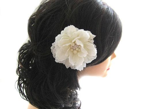 accessoire cheveux fleur blanche. Black Bedroom Furniture Sets. Home Design Ideas