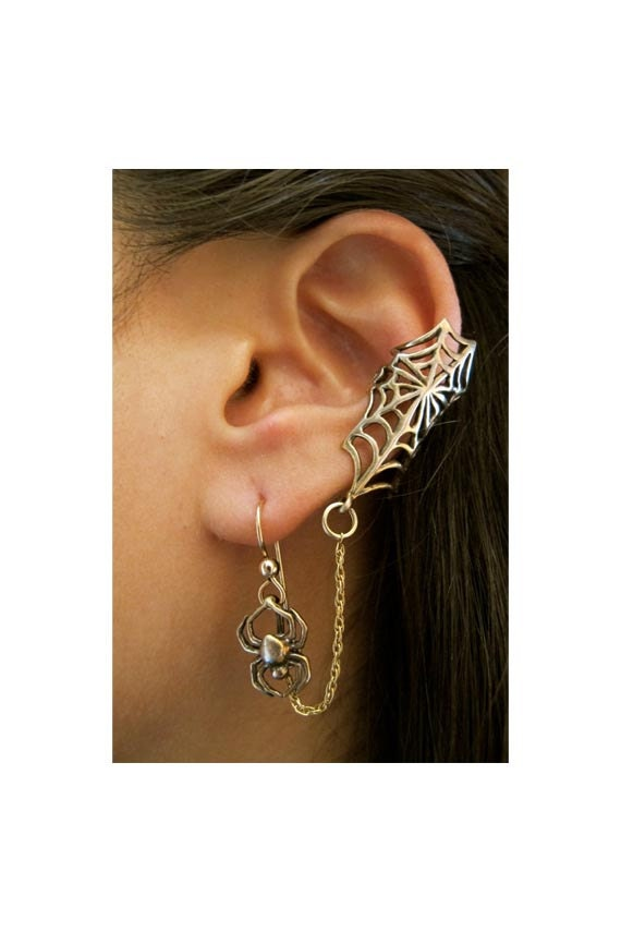 Spider Web Ear Cuff - Bronze Web and Chained Spider Ear Cuff Bajoran - Halloween Earring - Halloween Jewelry - Spider Earring - Spider Web