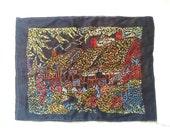 Jardin de curé de broderie faite main vintage en soie noire. Anglais. Circa 1970