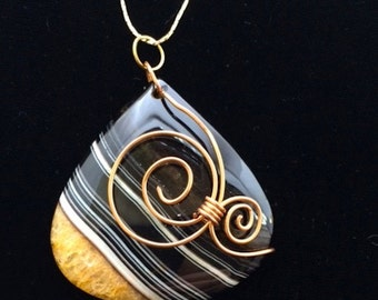 Handcrafted, Beautiful Agate Gemstone Pendant With Gold Plated Chain