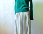 Kelly Green Sweater - S/M - Vintage Women's Pullover