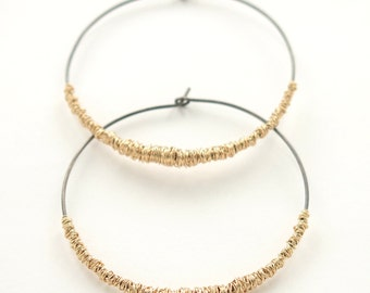 SIMPLI . Mixed Metal Hoops in goldfill, oxidized sterling silver