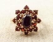 Size 6.75 Vintage 14k Gold Garnet Star Ring