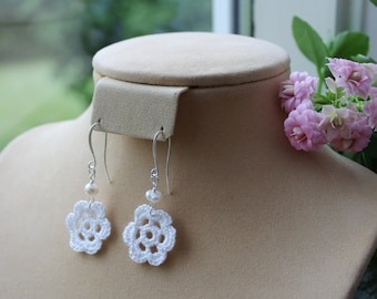 DISPLAY ITEM SALE. Medium bloom crochet dangle earrings, with pearl.