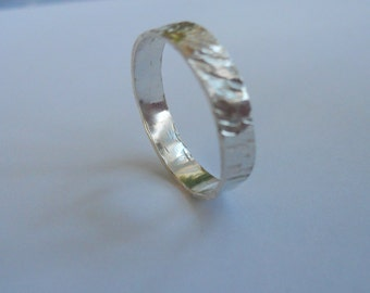 Ring of Sterling Silver, Hammered Rustic ring, Tree bark ring, Silver band, Hammered Silver Ring