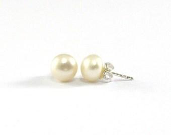 Pearl Stud Earings 7mm., Freshwater Pearl Stud Earrings, Classic Earrings, White Pearl Earrings