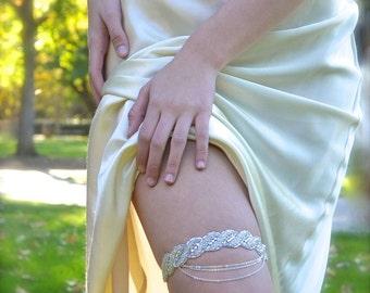 1920's Chain Swag Bridal Garter Crystal Rhinestone Garter Love Knot Twist, silver, white, ivory, other colors narrow band wedding garter