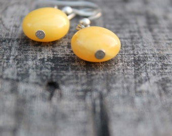 Amber Earrings / Yellow Natural Amber / Mellow Yellow / Modern Style Jewelry / Delicate Simple Earrings / Natural Beauty / Real Amber