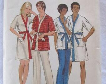 vintage BUTTERICK 6475 sewing pattern-- Men's Robe & Pants, size 42-44 (large) -- 1970s