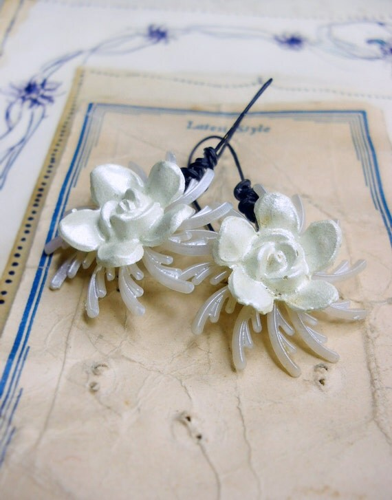 White Floral Earrings - Vintage Roses over Petal Pinwheel Discs - Mid Century Retro Botanical Dangle Earrings with Artisan Brass Ear Wires