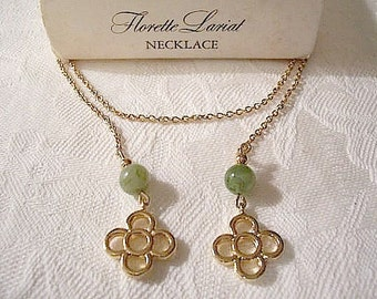 Green Marbled Lucite Bead Lariat Necklace Link Chain Gold Tone Vintage Avon Florette Flower Open Decorative Accents