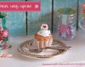 Christmas Cupcake 'Heart' Candy  - 1/12 Scale Dollhouse Miniature