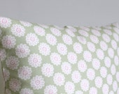Flower Pillow Cover - Floral Cushion Cover - Green Pillow Sham - 16 Inch - 16x16 - Vintage Daisy Sage
