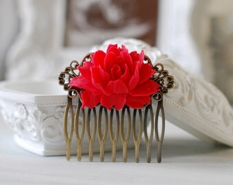 Red Wedding Bridal Flower Hair Comb. Red Rose Floral Antique Brass Filigree Hair Comb, Wedding Hairpiece, Bridal Hair comb, Bridesmaid Gift