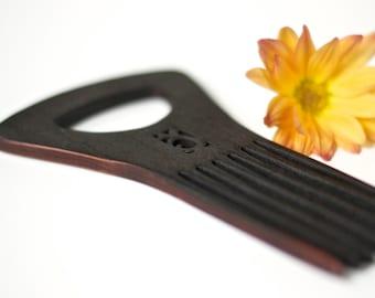 Blackened Shower Comb - Flower
