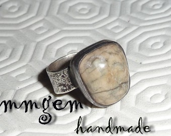Silver ring, Hammered, Boho ring, Rustic ring, metal work, jasper, gemstone, Sterling, thick, beige, oxidized,  patinated, blackened,