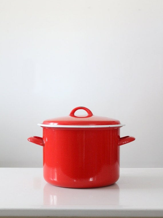FREE SHIP  red enamel pot, vintage enamelware stock pot