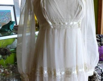Wedding dress vintage 70s boho chic hippie flower child goddess gown