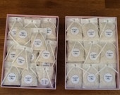 "100  THROW ME -1"" Kraft or White  round labels/seals - wedding confetti  stickers seals"
