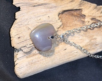Agate Heart Pendant on 18 inch Cable Chain - Item 1116
