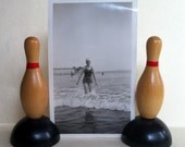 Wooden Bowling Pin Place Card Photo Holders Boy Game Room Decoration Vintage Lot of 2