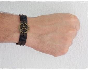 Leather Steampunk Bracelet,  Clock Gear Bracelet Cuff , Men's Leather Bracelet, Gear Men's Wristband, BDSM Men's Leather Jewelry, Men's Cuff
