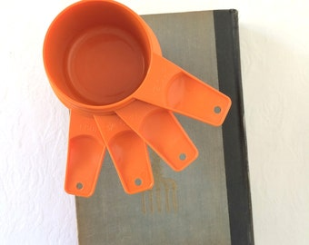 Vintage Tupperware Measuring Cups Orange Retro Baking set of 4