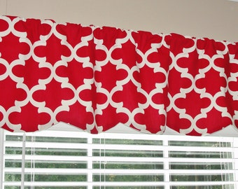 "Premier Prints Quatrefoil Fynn Timberwolf Red Scalloped Valance 52"" wide x 16"" long Lined Red and White"