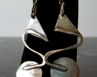 SALE Vintage Silver Modern Triangle S Circle Earrings