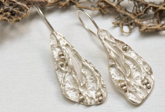 design of gold earrings