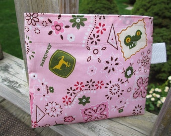 Reusable Snack Bag with Velcro Closure: Pink Deere