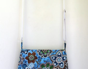 Purse, medium sized crossbody bag, with retro flower pattern