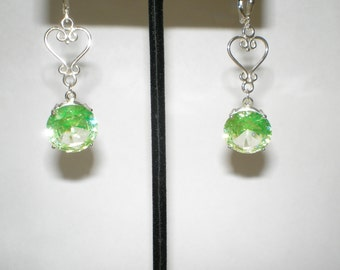 NEW Sterling Silver Vaseline Glass Dangle Drop Pierced Leverback Earrings 18 Plus Carats
