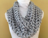 Knitted Scarf Infinity Loop Chunky Grey // MACKINAC COWL