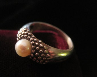 Pearl Sterling Ring 925 Silver Reptile Bumpy Bump Round Size Faceted Glass Vintage Size 8 3/4