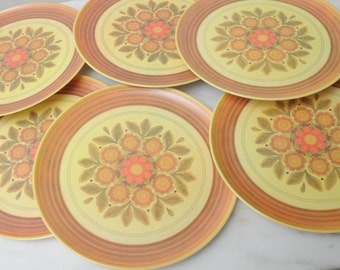 Mid Century Plastic Dinner Plates Lexington Floral