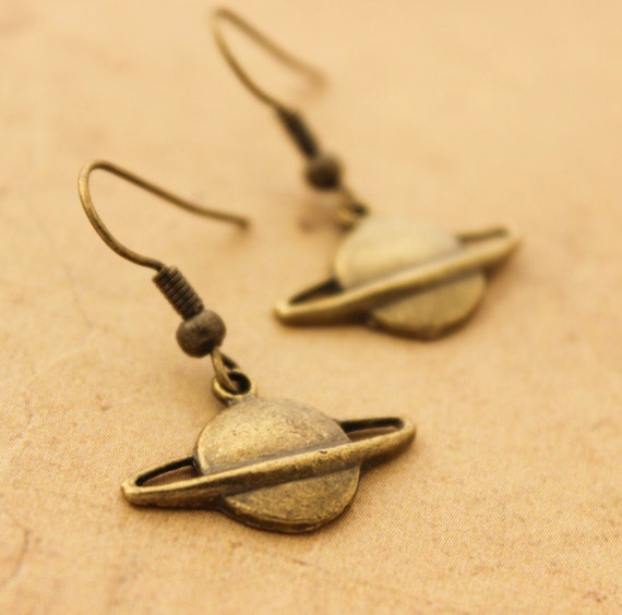 planet saturn earring - photo #46