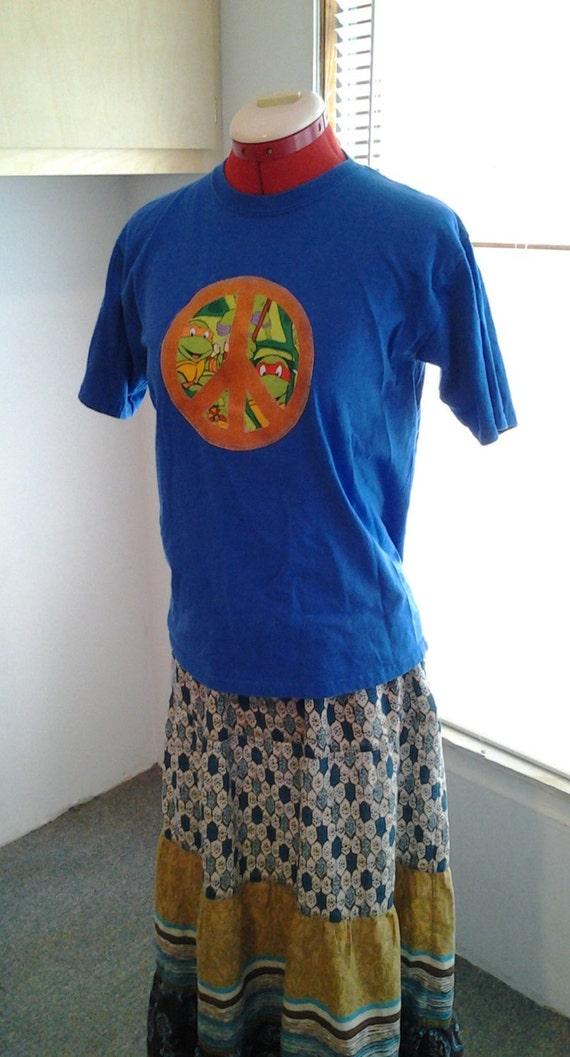 Teenage mutant ninja turtles youth large blue shirt turtle for Where can i buy ninja turtle shirts