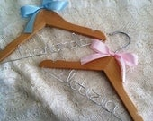 Personalized baby hanger