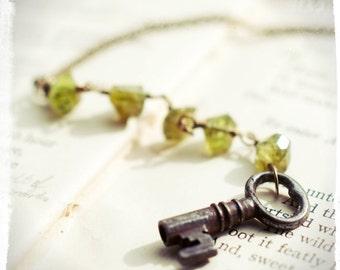 Key talisman with peridot, numerology talisman, vintage key necklace, apple green gemstone necklace, talisman for prosperity and growth