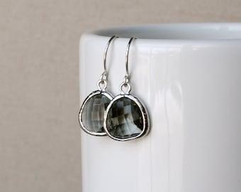 The Phoenix Anne Earrings - Grey/Silver