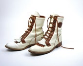 Vtg 80s JUSTINS Genuine Leather Boots / Western / White / Brown / Fall  Fashion / Shoes / Womens / Retro / UNISEX / Mens / Vintage / FRESH