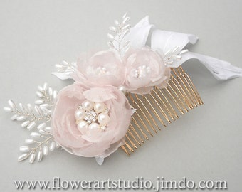 Bridal Headpiece, White and pink flower comb, White pearl and flower bridal comb, Bridal Hair Flower, Hair Accessories, Feminine flower comb