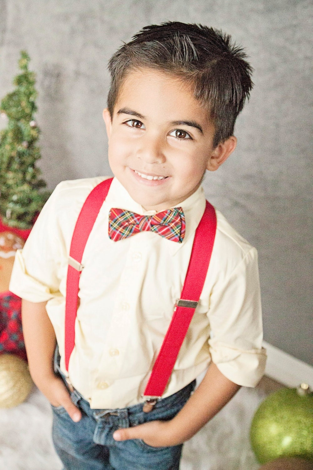 Little Boys Holiday Outfits & Suits () Boys Holiday/Christmas Outfits & Suits () Whether you're looking for traditionally hand-smocked fashions or adorable brother-sister outfits, we feature many exclusive styles that will have your Boy looking picture perfect.