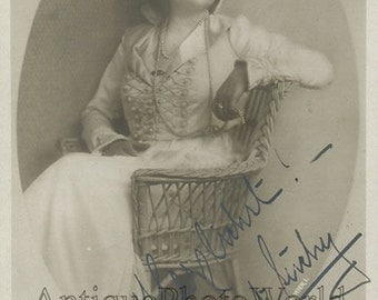 Beautiful actress Margit Suchy antique hand signed autographed photo pc