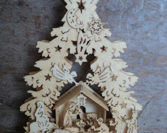 """Dollhouse miniature  Christmas  stable scene in 1""""or 1:12 scale"""